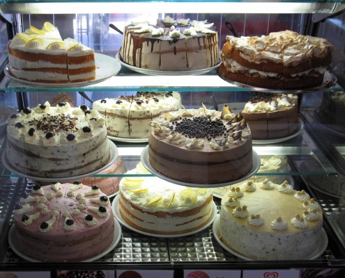 Torten im täglichen Angebot im Cafe Obsthof Gut Stubbe