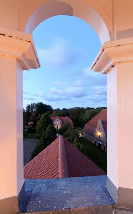Blick vom Glockenturm Gut Stubbe zum Herrenhaus